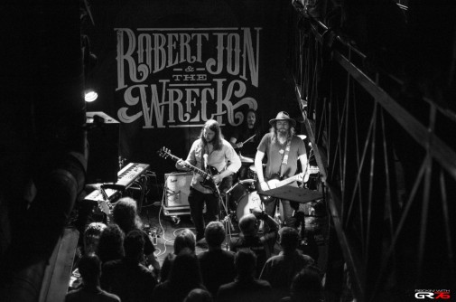 ROBERT JON & THE WRECK_01